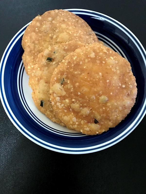 Nippattu | Rice Crackers | Chekkalu Recipe • Chakris Kitchen